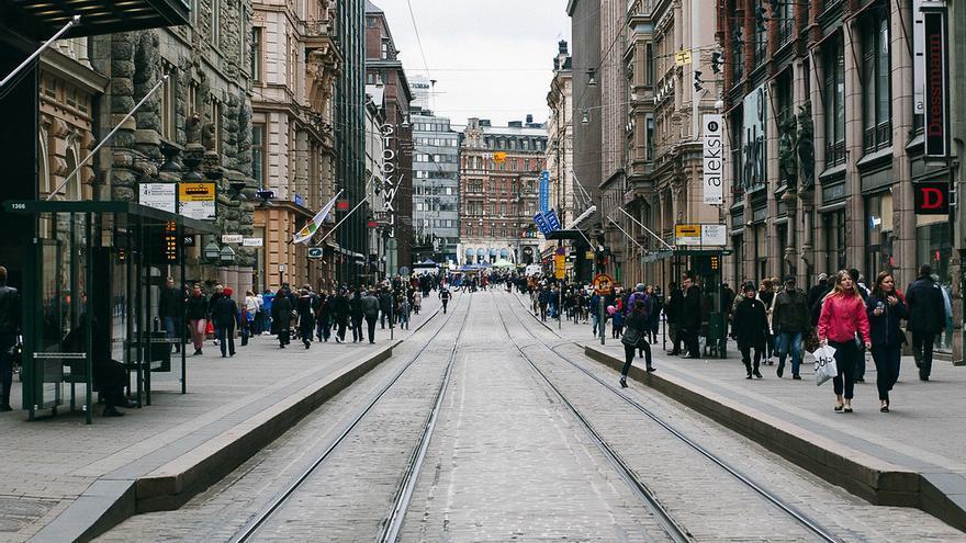 Imagen de una calle de Helsinki.