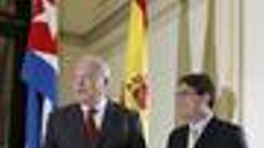 Moratinos defiende su política hacia La Habana frente a las críticas de 37 presos políticos cubanos