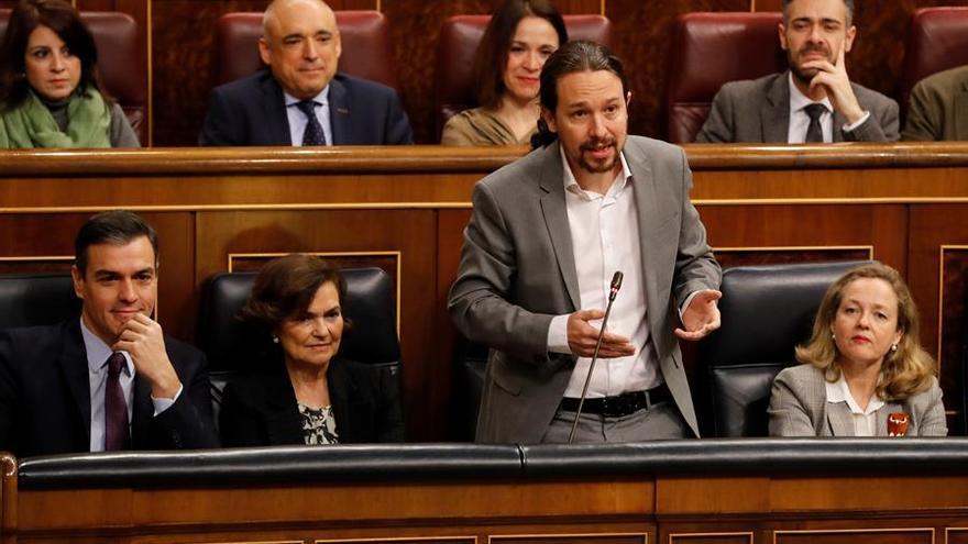 MADRID, 12/02/2020.- El vicepresidente segundo, Pablo Iglesias (2d), interviene durante la sesión de control celebrada, este miércoles, en el Congreso de los Diputados en Madrid.