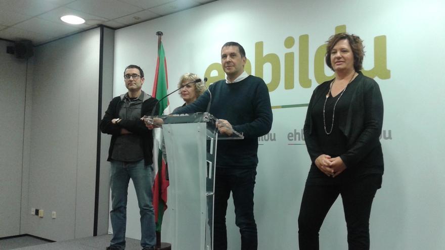 """Otegi pide en Euskadi el mismo """"compromiso de Iparralde"""" para que la estrategia del Estado """"ya no tenga más recorrido"""""""