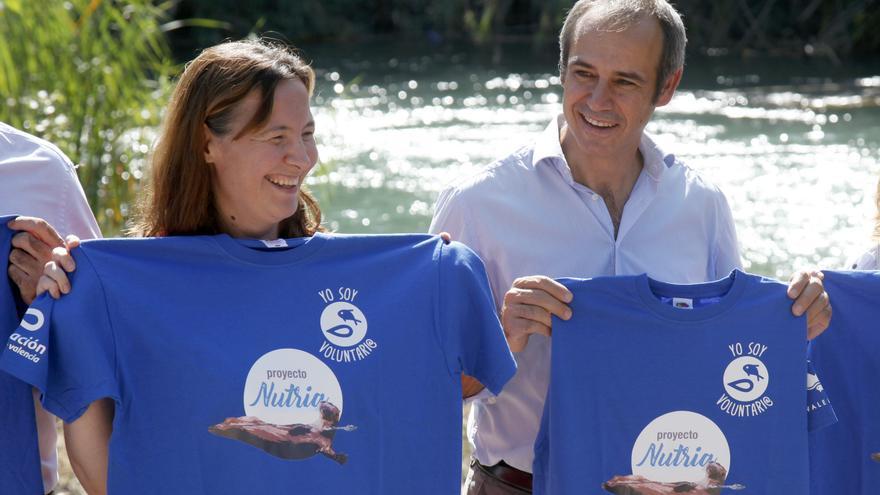 Dionisio García Comín, CEO de Global Omnium, presentando un proyecto para recuperar la nutria en varias cuencas de la comunidad junto a la fundación LIMNE