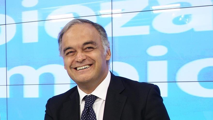 "González Pons afirma que el PP va a ""intentar no romper"" con CiU porque ""no es momento de tirar los puentes"""