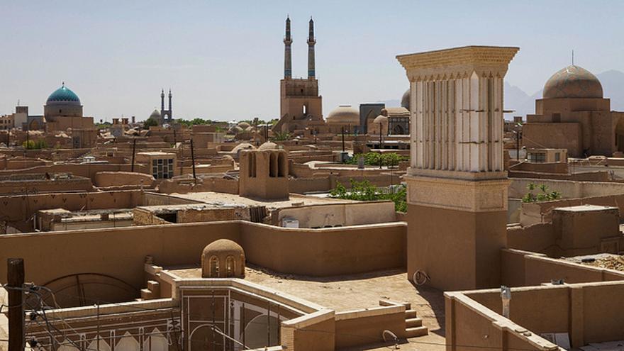 La ciudad de Yazd desde los terrados de la medina. Ninara