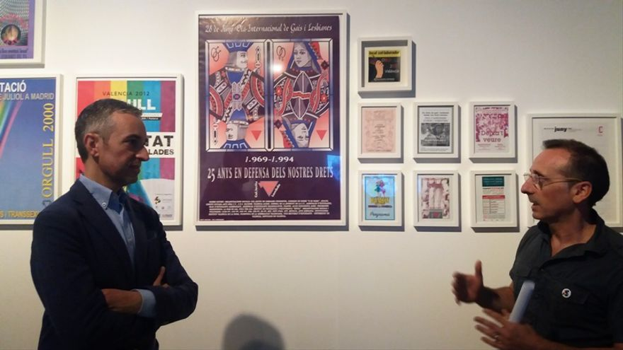 El director del Consorci de Museus de la  Comunitat Valenciana, José Luis Pérez Pont, en la exposición sobre Lambda