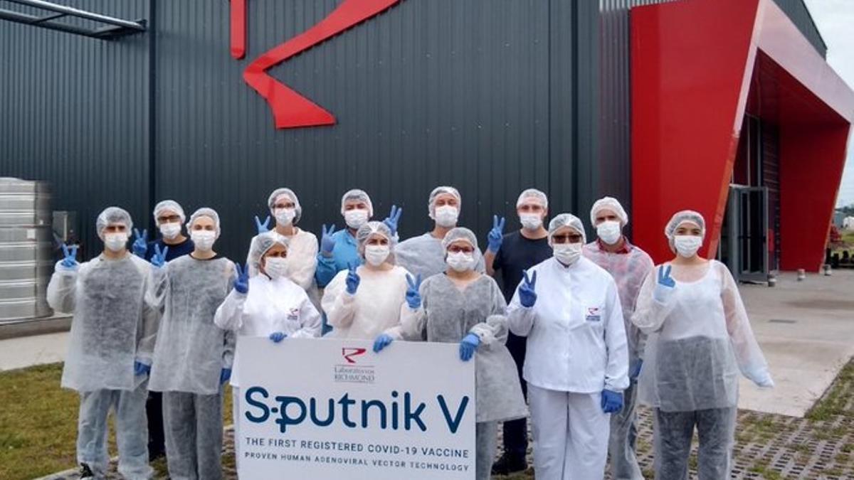 La vacuna Sputnik V también se produce en Argentina a través del laboratorio Richmond.