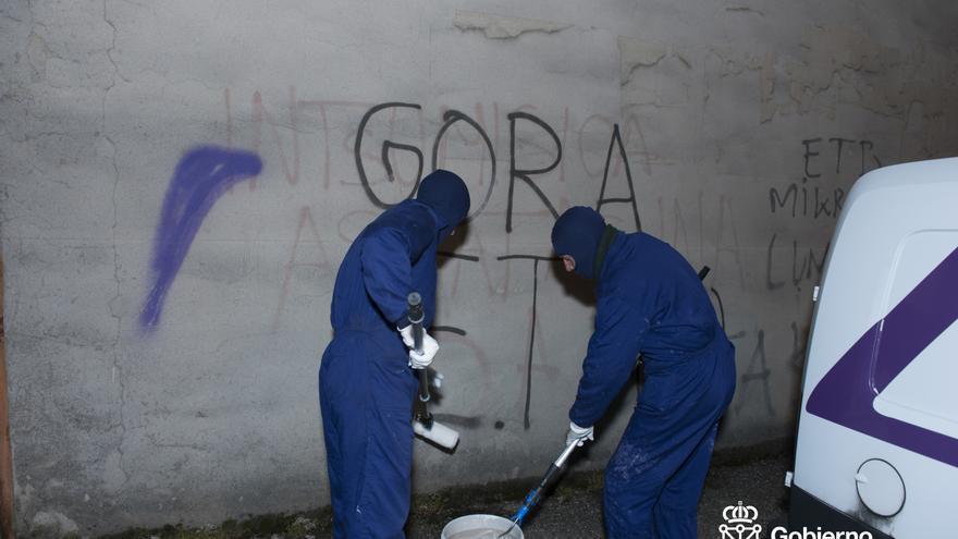 Eliminadas pintadas de exaltación del terrorismo en dos pueblos navarros que no habían borrado sus ayuntamientos