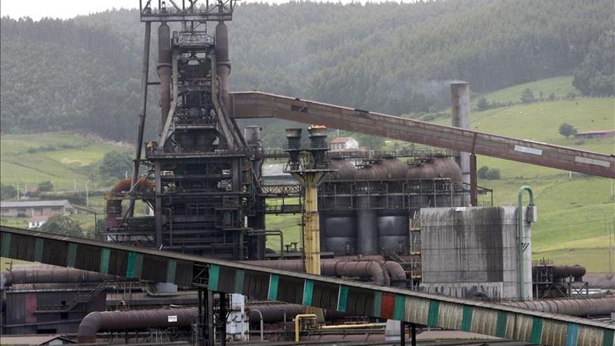 Arcelor reduce sus pérdidas un 57,3 por ciento en 2014, hasta 950 millones de euros