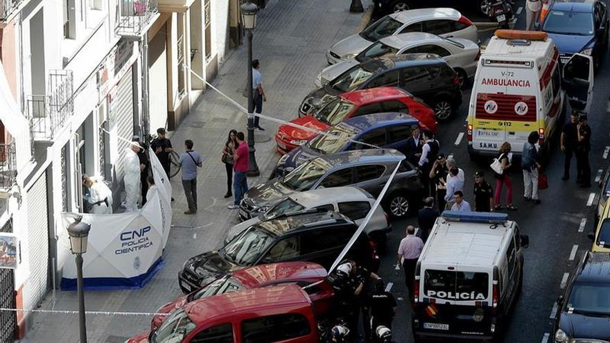 Muere acuchillado un policía al identificar a un sospechoso en Valencia