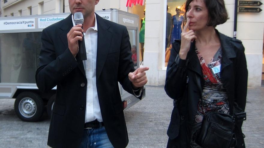 Falciani aparece en su primer acto de campaña y reclama medidas concretas para acabar con el fraude fiscal