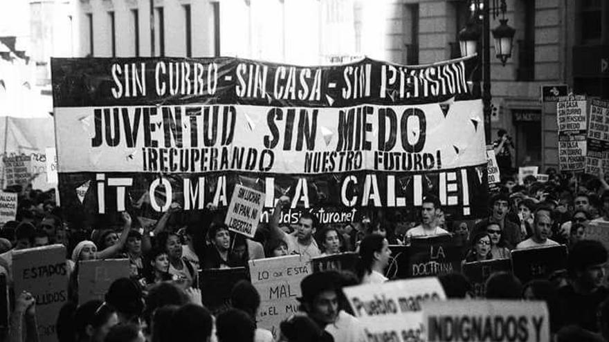 Pancarta de Juventud Sin Futuro de la manifestación de7 de abril de 2011.   Juventud Sin Futuro.