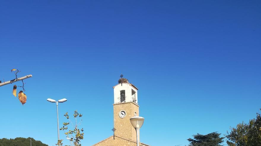 Plaza del Colono, antes del Caudillo, en Valmuel, Teruel