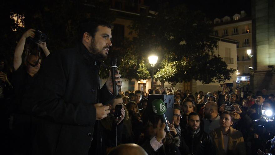 Alberto Garzón en la plaza de Los Carros de Madrid