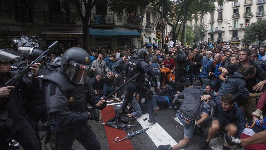 Carregues policials al Referendum de l'1 octubre a Barcelona  / Escola Ramón Llull
