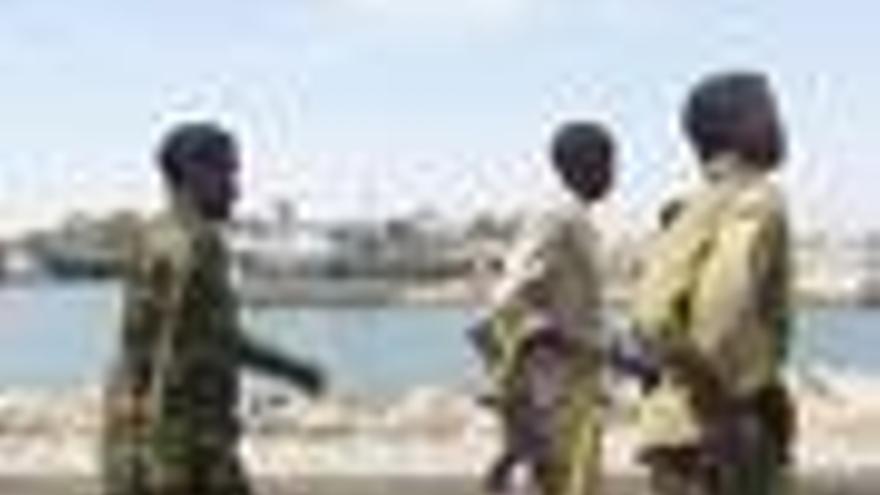 Al menos 9 muertos tras el atentado doble contra una base en Mogadiscio