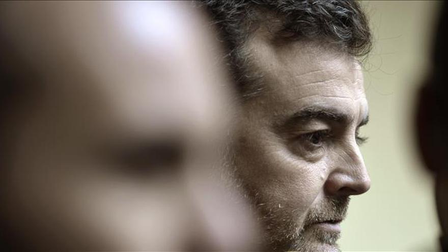 Maíllo (IU) ve derechizado al PSOE y a Podemos instalado en la ambigüedad