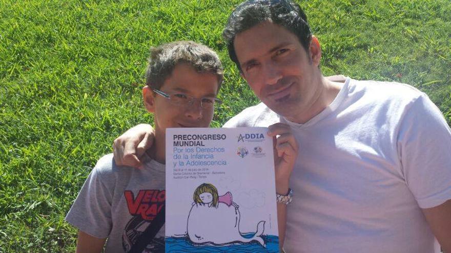 César Bona y su alumno Iván Pardo, en el Precongreso Mundial por los Derechos de la Infancia y la Adolescencia.
