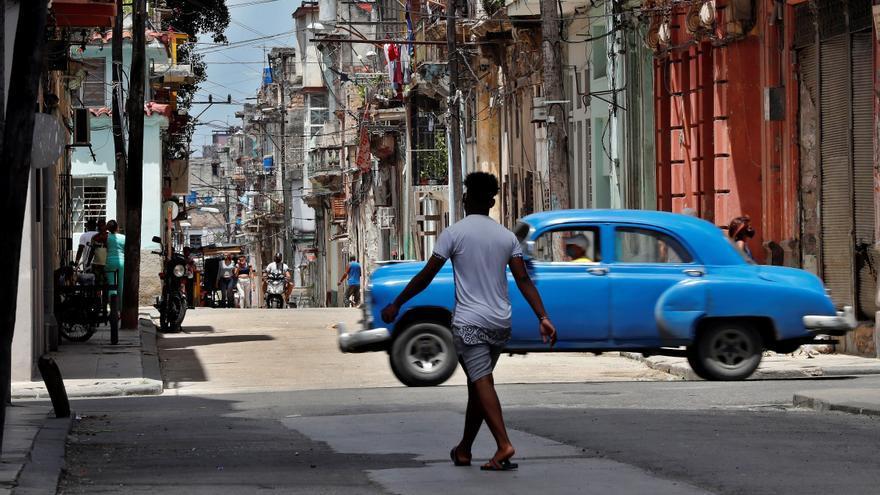 Cuba supera las 2.000 muertes por covid-19 en más de un año de pandemia