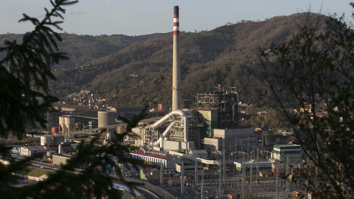Imagen de una central térmica en Asturias