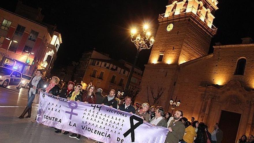 Manifestación contra la violencia machista en Totana