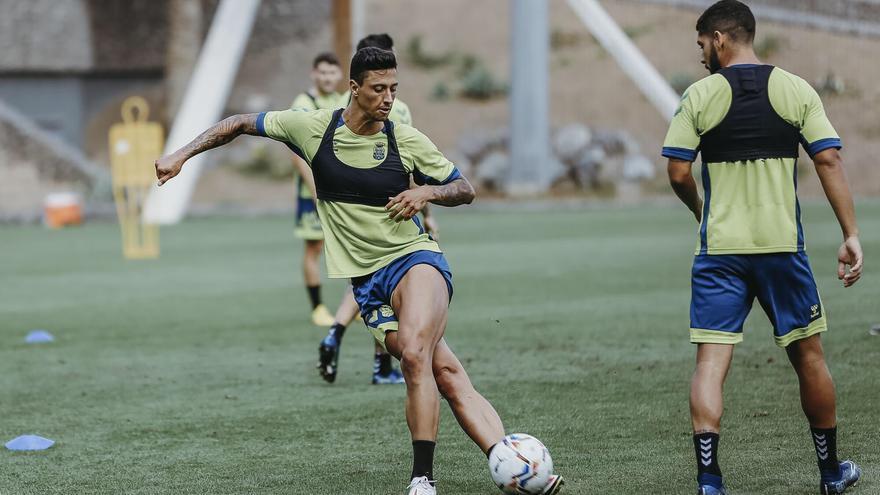 La UD Las Palmas busca sus primeros puntos frente al Fuenlabrada