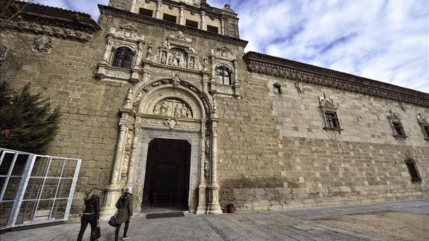 Textiles históricos envuelven la gran exposición de los Austrias en Toledo
