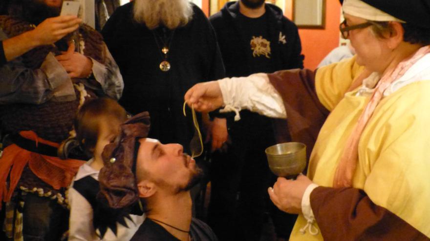 """Cada rito pastafari va acompañado de un """"RAmén"""" de sus seguidores"""