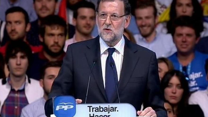 """Rajoy anima a Edurne a """"disfrutar del momento"""" antes de su actuación en el Festival de Eurovisión"""