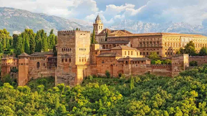 El monumento granadino, el segundo más visitado de España, vive una situación inédita
