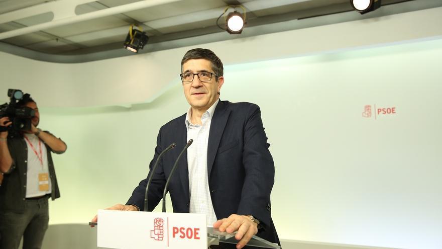 """Patxi López tacha de """"despropósito"""" la ley del referéndum y acusa a los independentistas de """"romper con la democracia"""""""