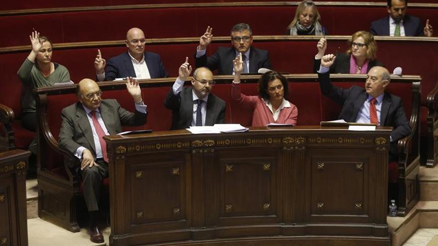 Los concejales del Partido Popular en Valencia durante una votación en el pleno municipal