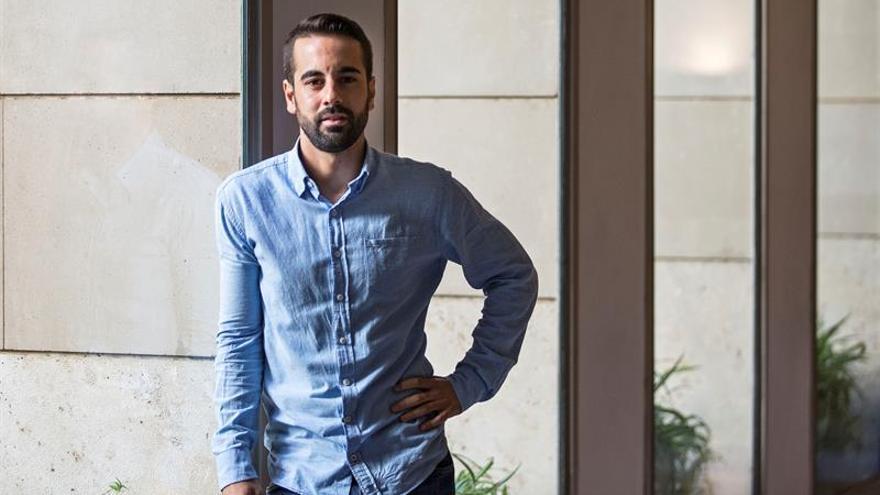 Un miembro de la gestora del PSOE pide no decidir desde la urgencia ni el miedo