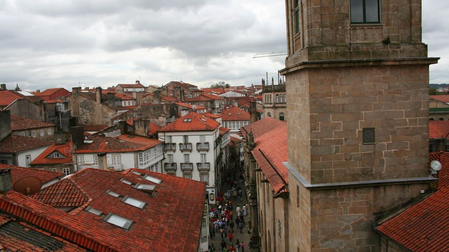 Casco histórico de Santiago desde la cubierta de la Catedral de Santiago.