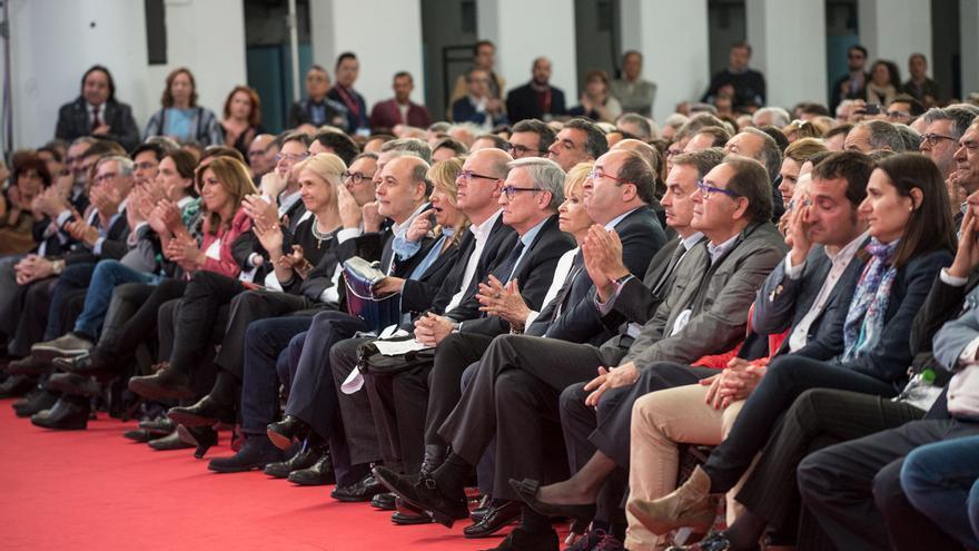 La primera fila de dirigentes socialistas en el acto de recuerdo a Chacón