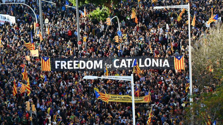 """Pancarta en la manifestación por la libertad de los presos: """"Freedom"""""""
