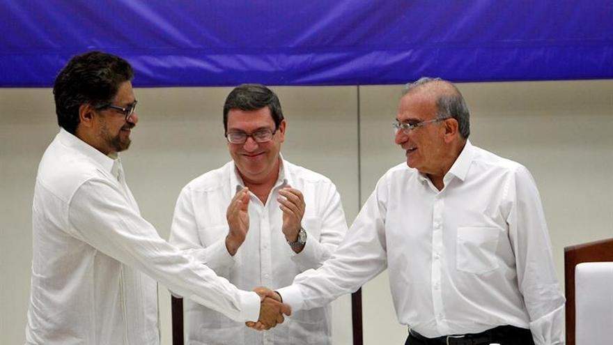 Las FARC entregan al CICR a los primeros ocho menores que salen de sus campamentos