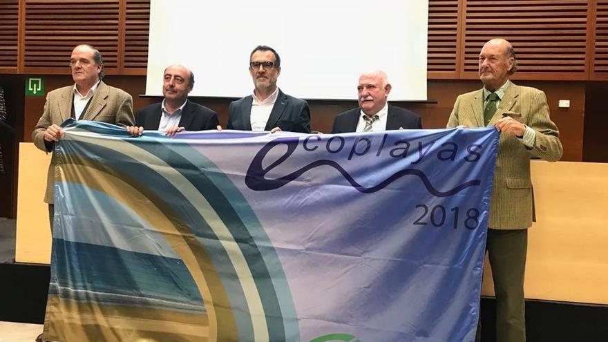 Diez playas de la ciudad volverán a lucir la bandera Ecoplayas en 2018