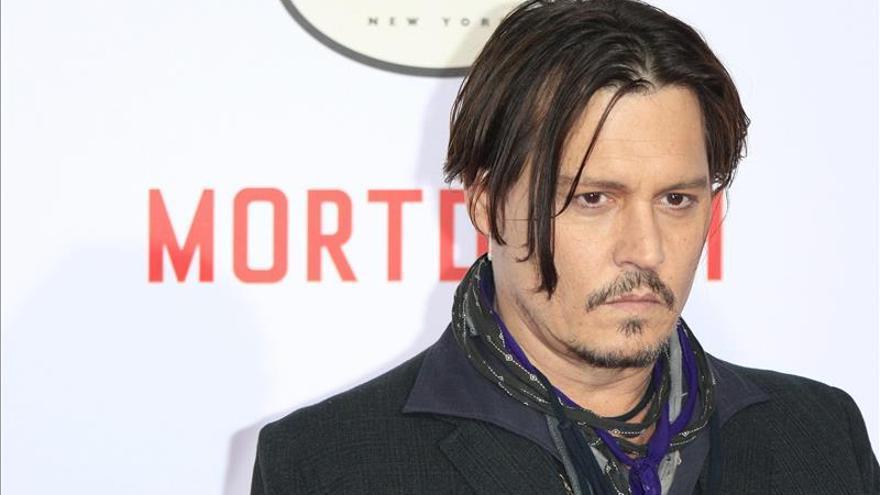 Johnny Depp en problemas con la justicia australiana por dos perros