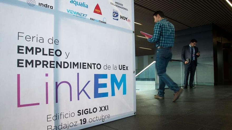 Feria Uex empleo emprendimiento