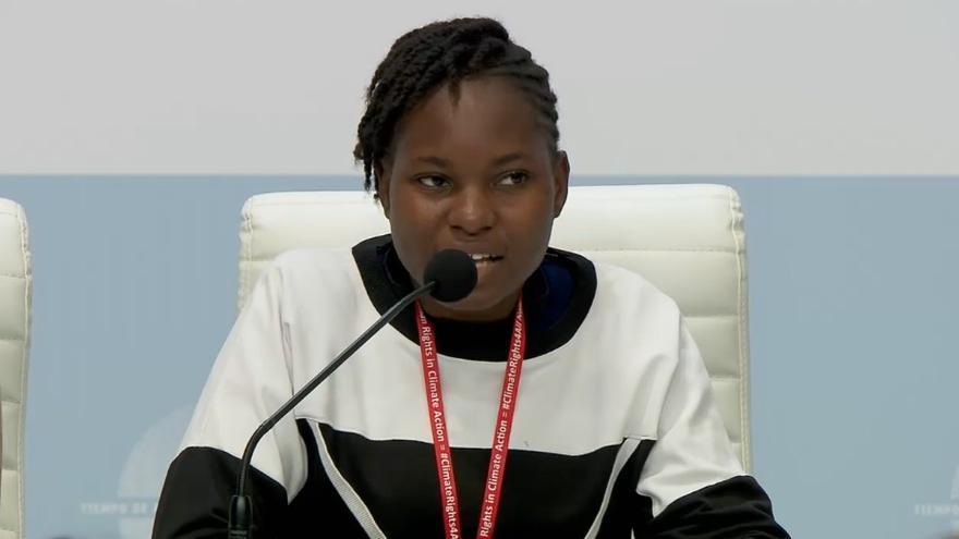 Una de las representantes de Fridays for Future que s compareció en la rueda de prensa de Greta Thunberg.