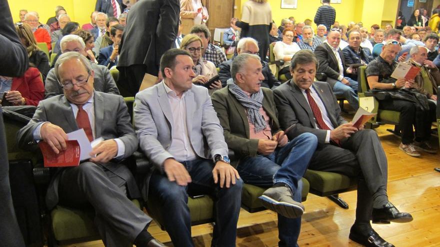 """Javier Fernández carga contra los """"telepredicadores de la política"""" que explican """"todo"""" sin aportar soluciones"""