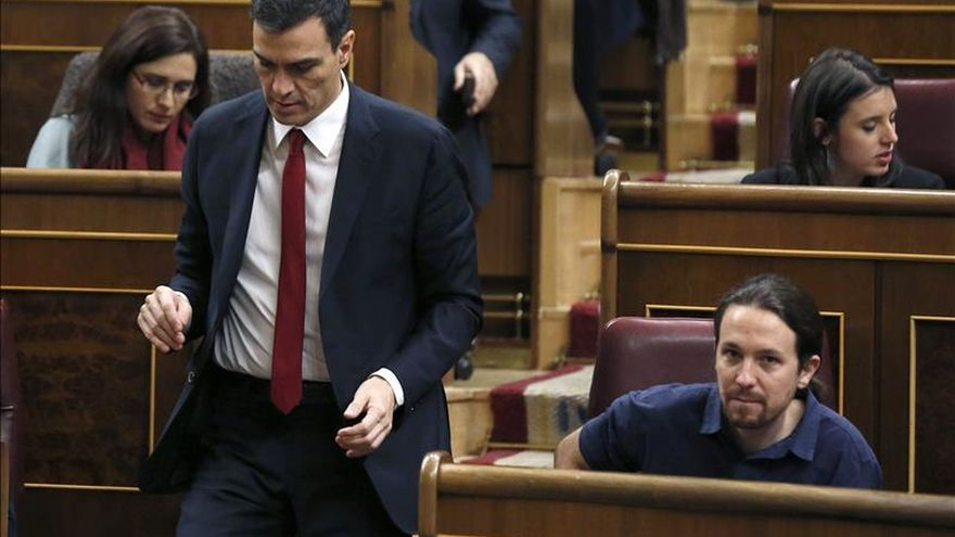 Pedro Sánchez y Pablo Iglesias, durante un pleno del Congreso.