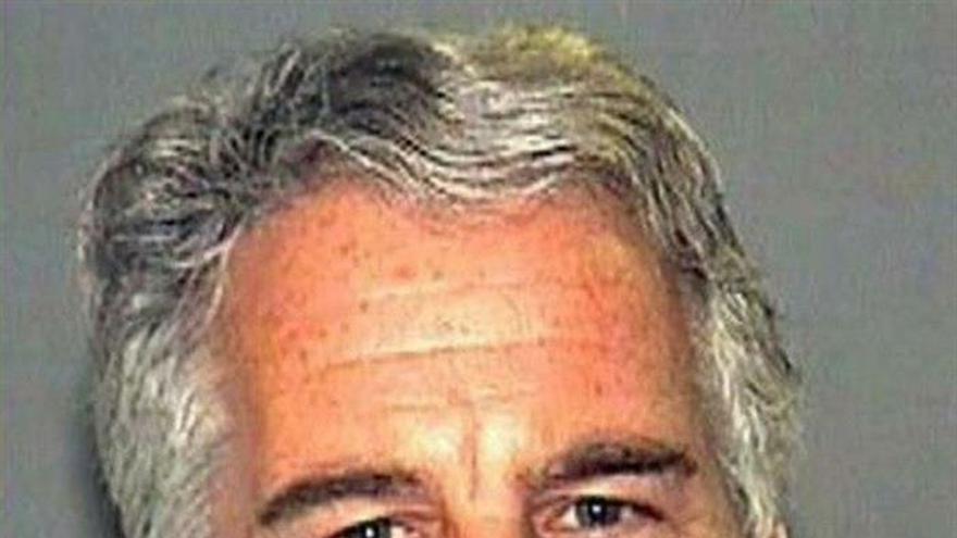 Un juez de EE.UU. mantiene a Epstein en prisión sin fianza por riesgo de fuga