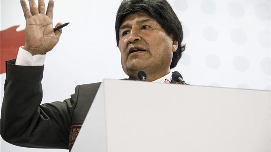 """Evo Morales quiere que su revolución se perpetúe """"como en China"""""""