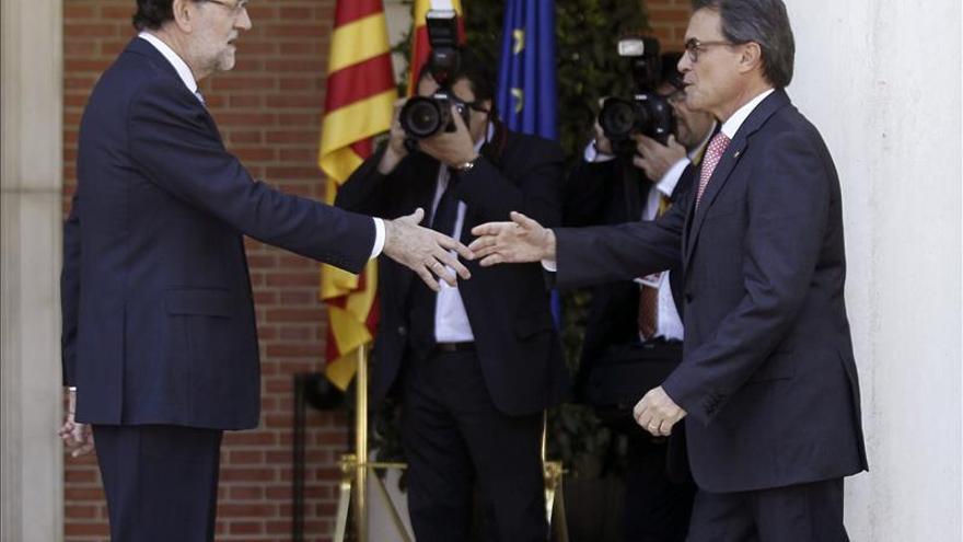 Rajoy y Mas abren una vía de diálogo pese a evidenciar la disparidad sobre la consulta