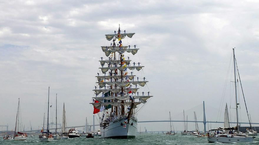 Cuauhtemoc, el barco mexicano que abrió la Gran Regata de Cadiz.