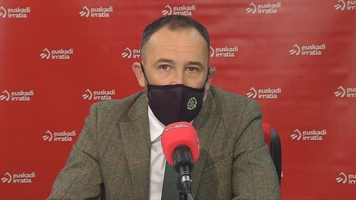 Denis Itxaso en una entrevista en Euskadi Irratia