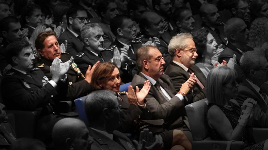 De izquierda a derecha, el inspector Luis Molina, los comisarios Sagrario de León y Antonio Jarabo, y el presidente de la Audiencia Provincial de La Palmas, Emilio Moya.