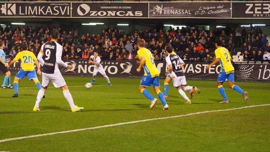 Una acción del choque Castellón-Las Palmas de Copa de la noche de este martes.