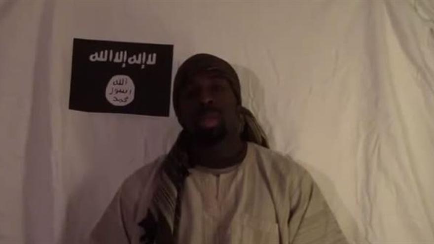Amédy Coulibaly en una imagen del vídeo en el que asume la autoría del ataque