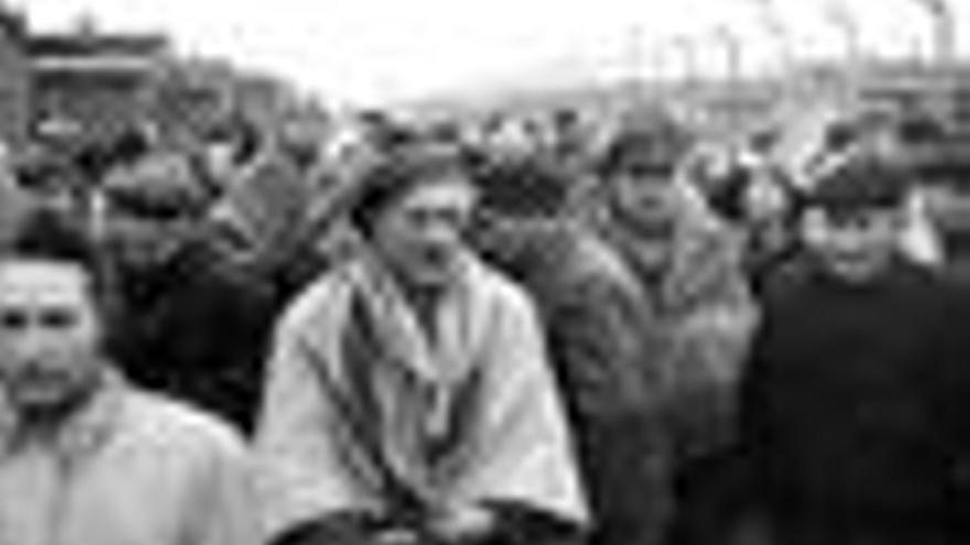 Judíos en un campo de concentración